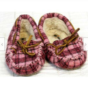 Minnetonka Pink Plaid Faux Fur Lined Cassie Slippe